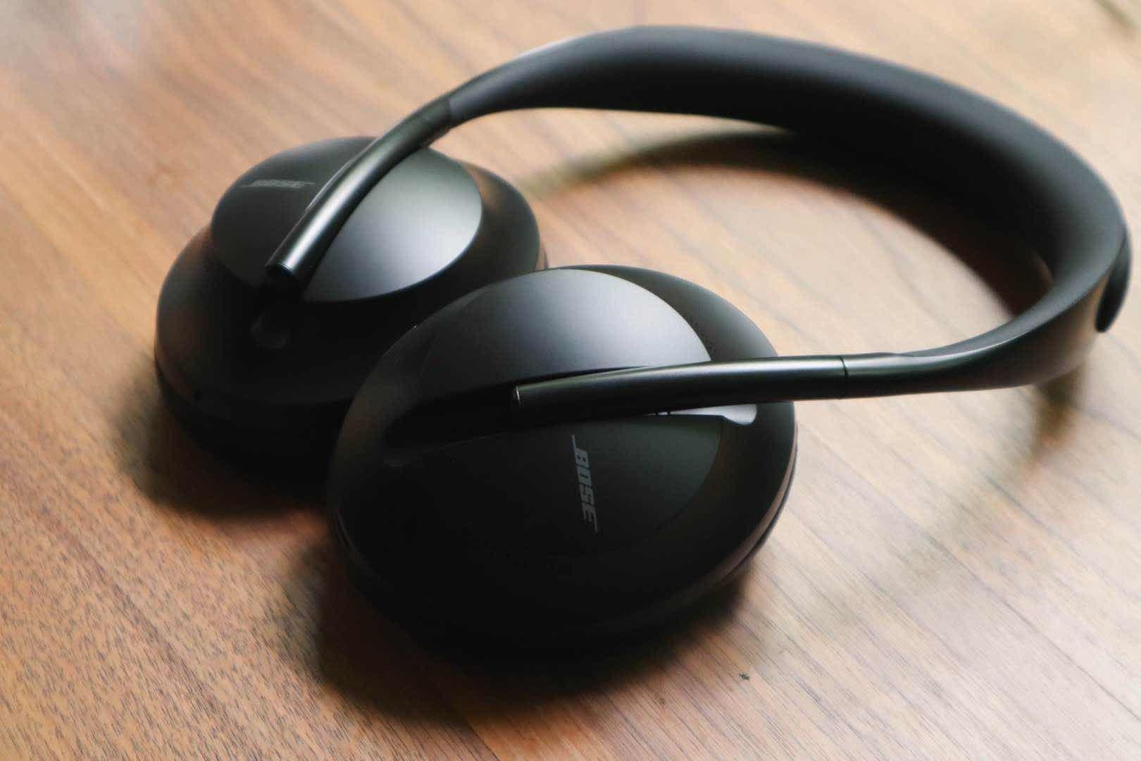 国内资讯_Bose 700 降噪耳机现场体验:外观更时尚,通话降噪效果明显 | 极 ...