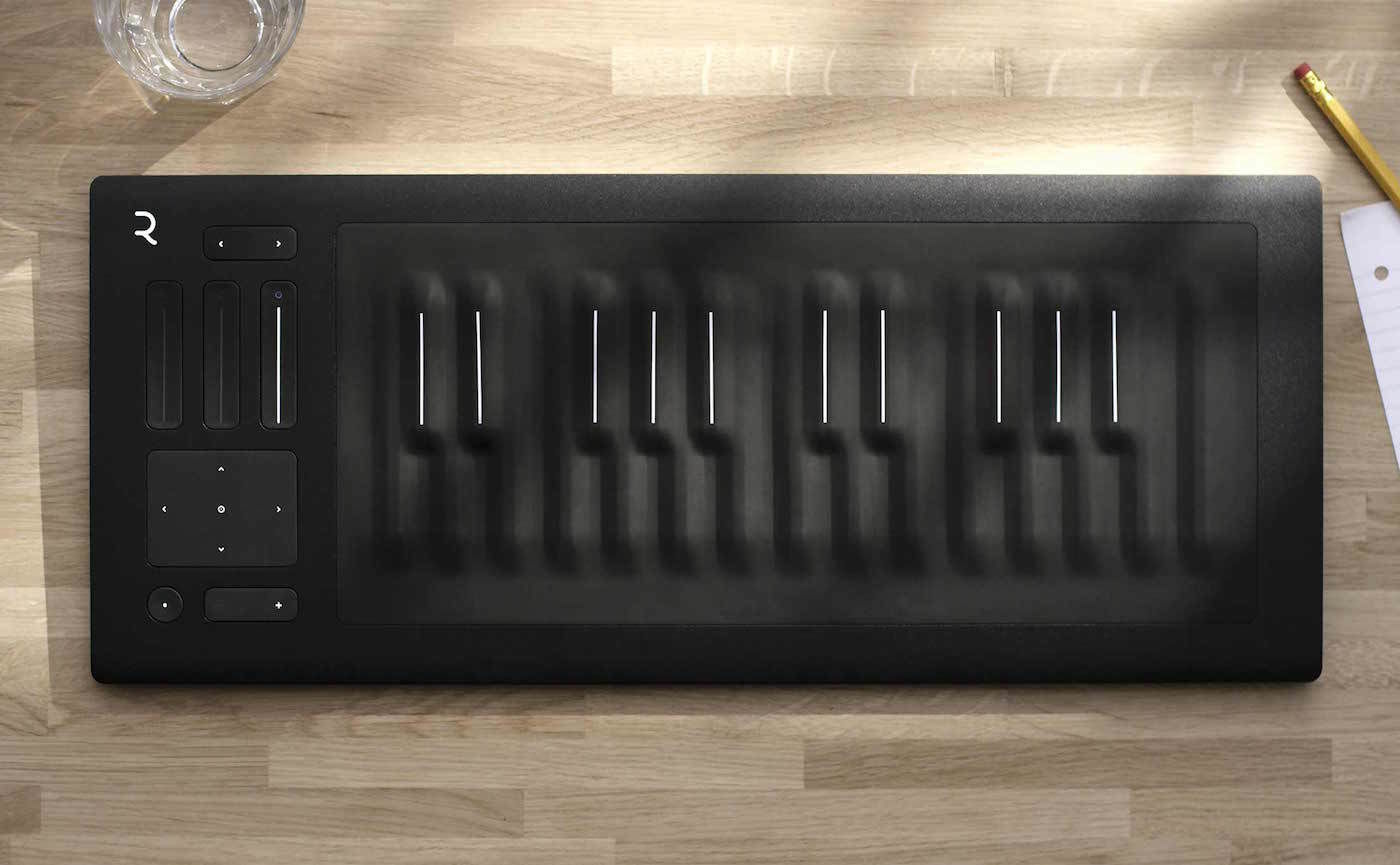 「三次元」的未来钢琴,给你来一段「颤音演奏」 | 极客公园