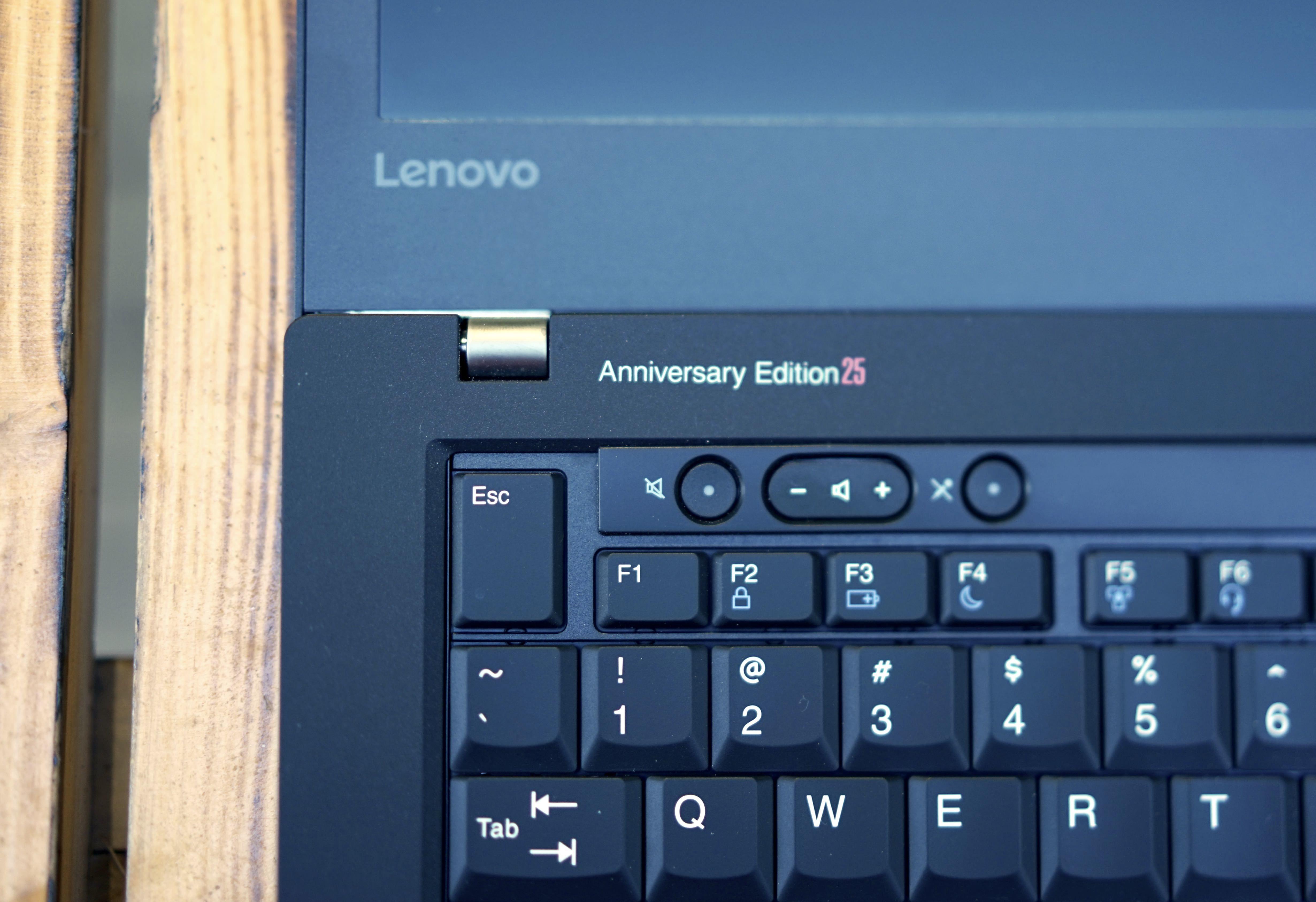 ThinkPad 25 周年纪念版体验:最纯粹的「现代版」ThinkPad | 极